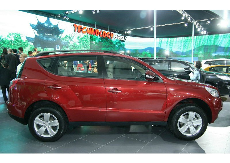 Фото Geely Emgrand X7.
