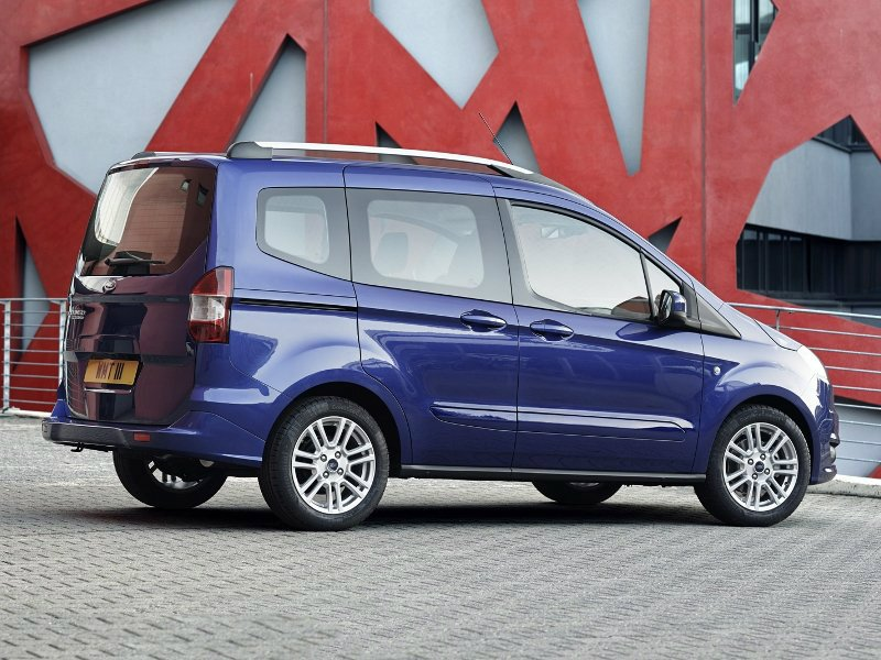 цены на новый ford tourneo courier