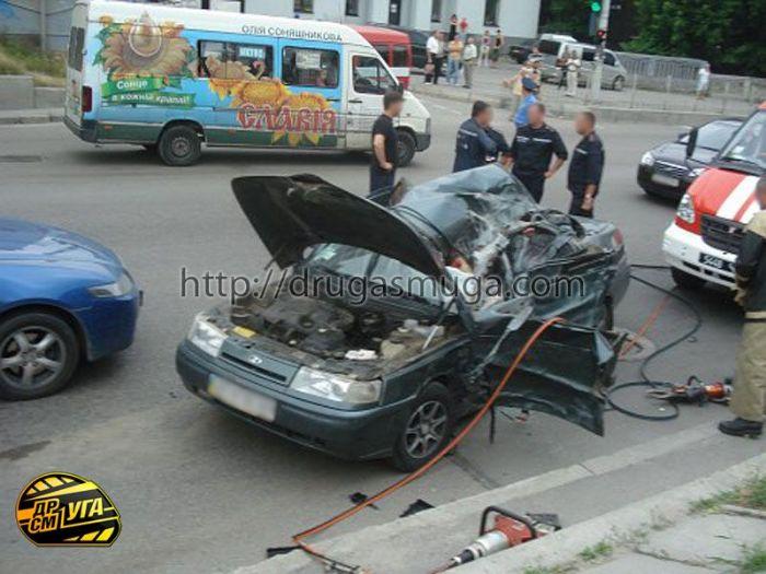 После столкновения с Honda Accord, ВАЗ 21101 перевернулся на крышу - водитель погиб - AvtoABC